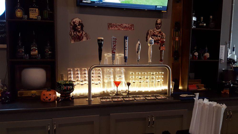 Maddy's Tavern: 228 S 1st, Divernon, IL