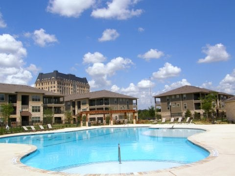 Crescent Pointe: 1501 Copperfield Pkwy, College Station, TX