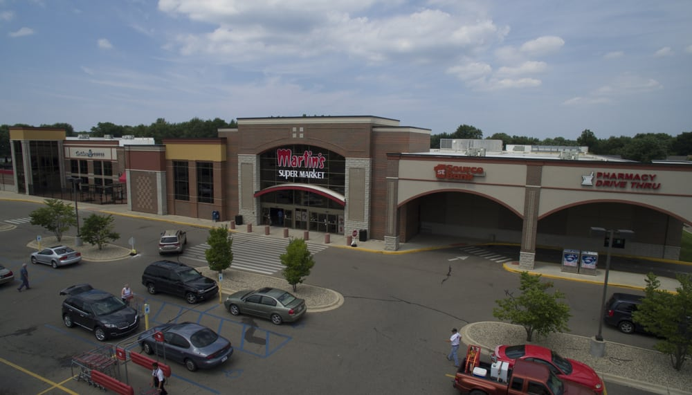 Martin's Super Market: 5637 Cleveland Ave, Stevensville, MI