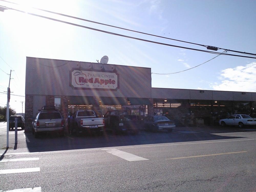 Prairie Center Red Apple Market: 408 S Main St, Coupeville, WA