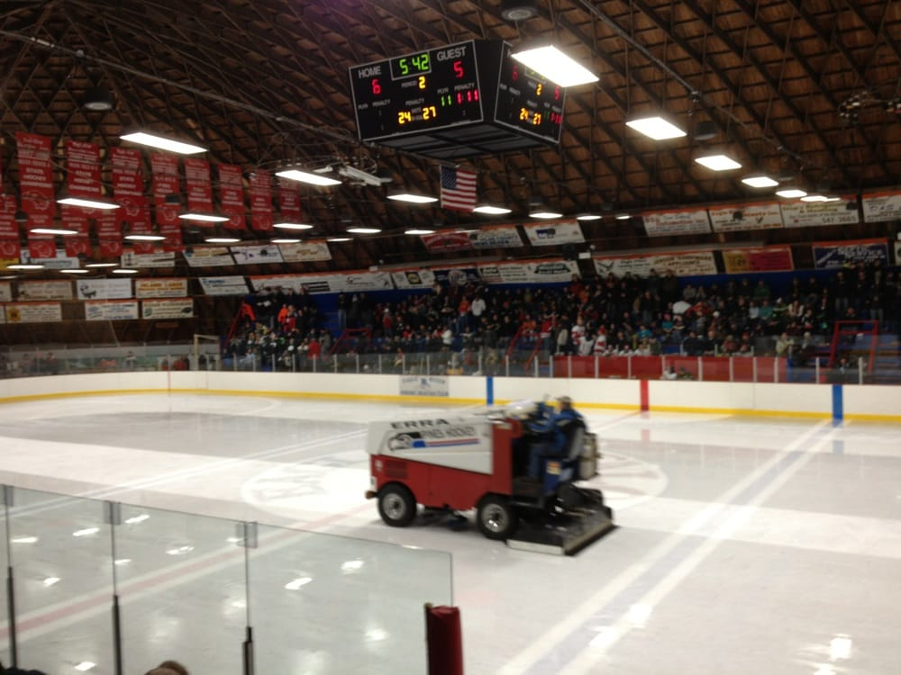 Eagle River Hockey & Sports Arena: 4149 State Highway 70 E, Eagle River, WI