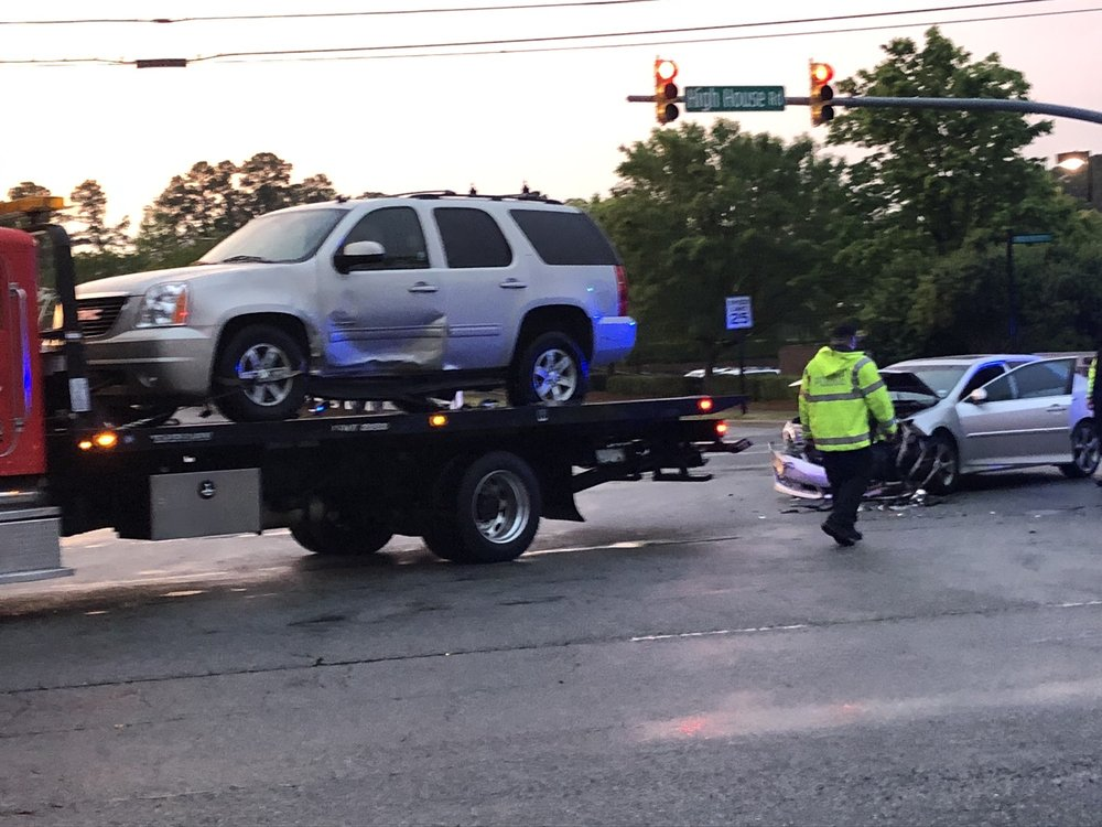 Towing business in Holly Springs, NC