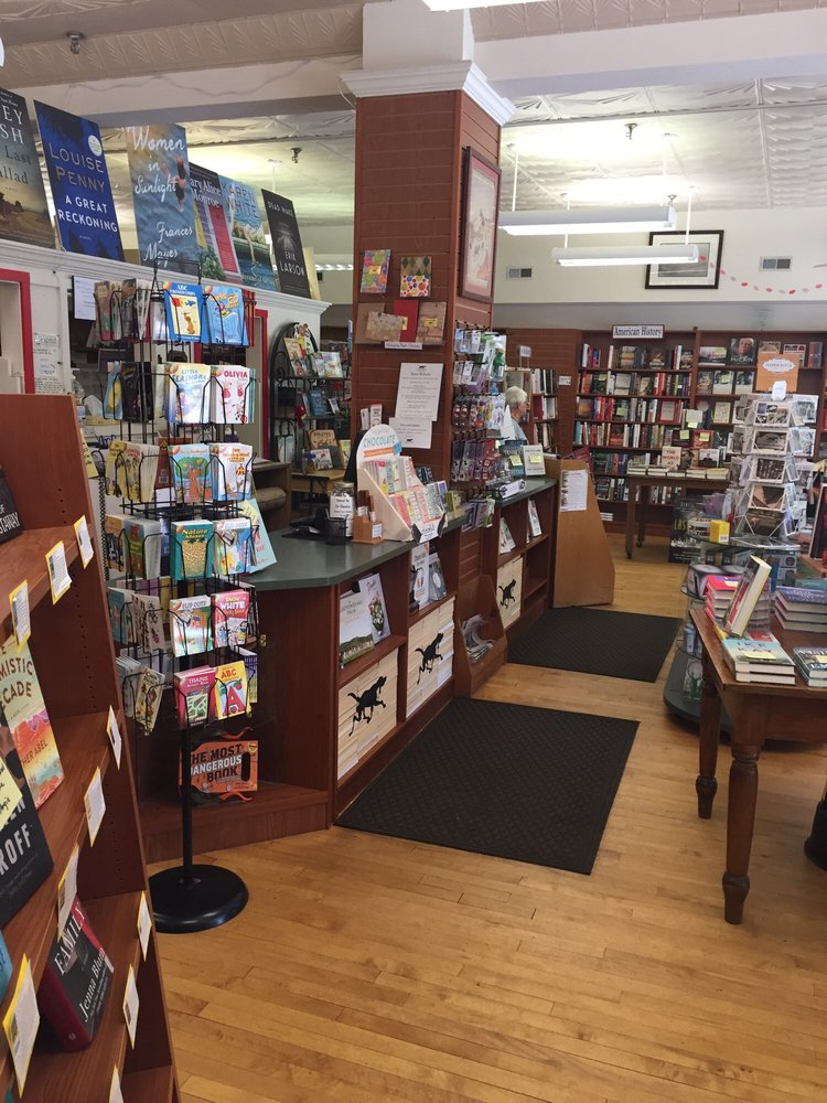 The Country Bookshop: 140 NW Broad St, Southern Pines, NC