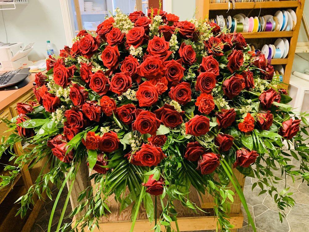 Flowers By Mary: 395 Crossgates Blvd, Brandon, MS