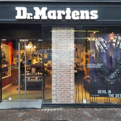 dr martens store magasins de chaussures 12 rue pierre. Black Bedroom Furniture Sets. Home Design Ideas