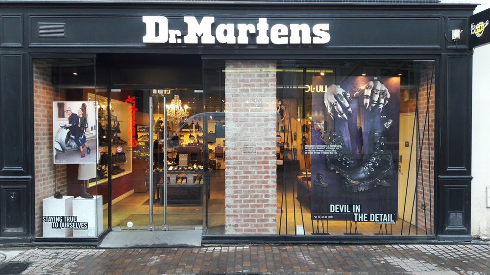 dr martens store magasins de chaussures 12 rue pierre. Black Bedroom Furniture Sets. Home Design Ideas