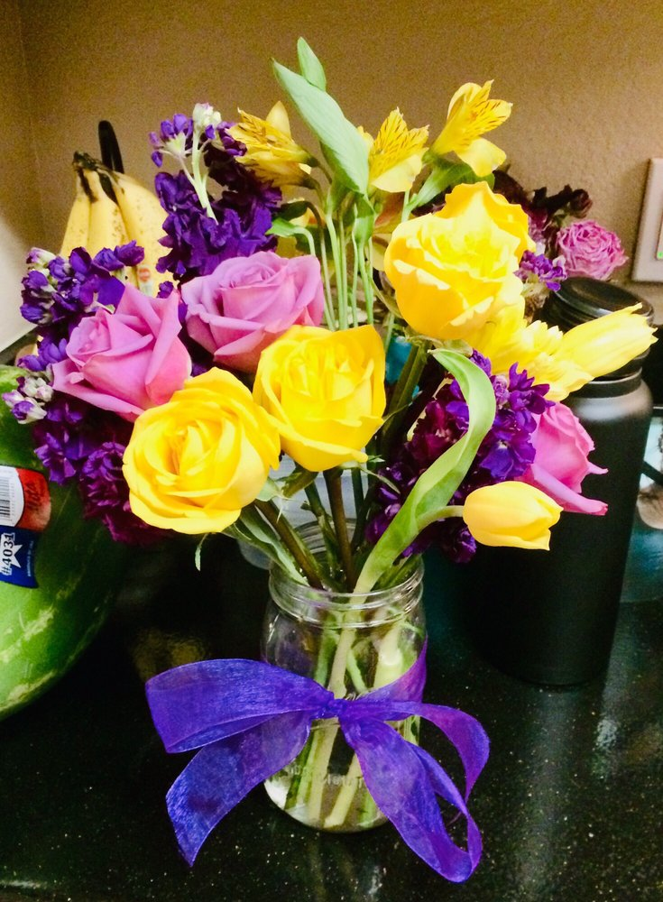Floral Adventures: 604 S Lake Dallas Dr, Lake Dallas, TX