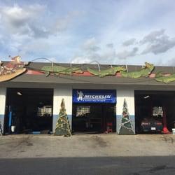 Fleur De Lis Car Care Center 13 Reviews Gas Stations