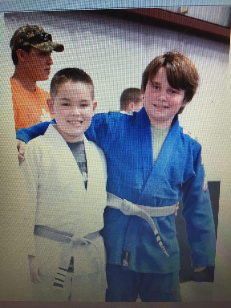 Briggs Academy of Mixed Martial Arts: 811 Southwestern Dr, El Paso, TX
