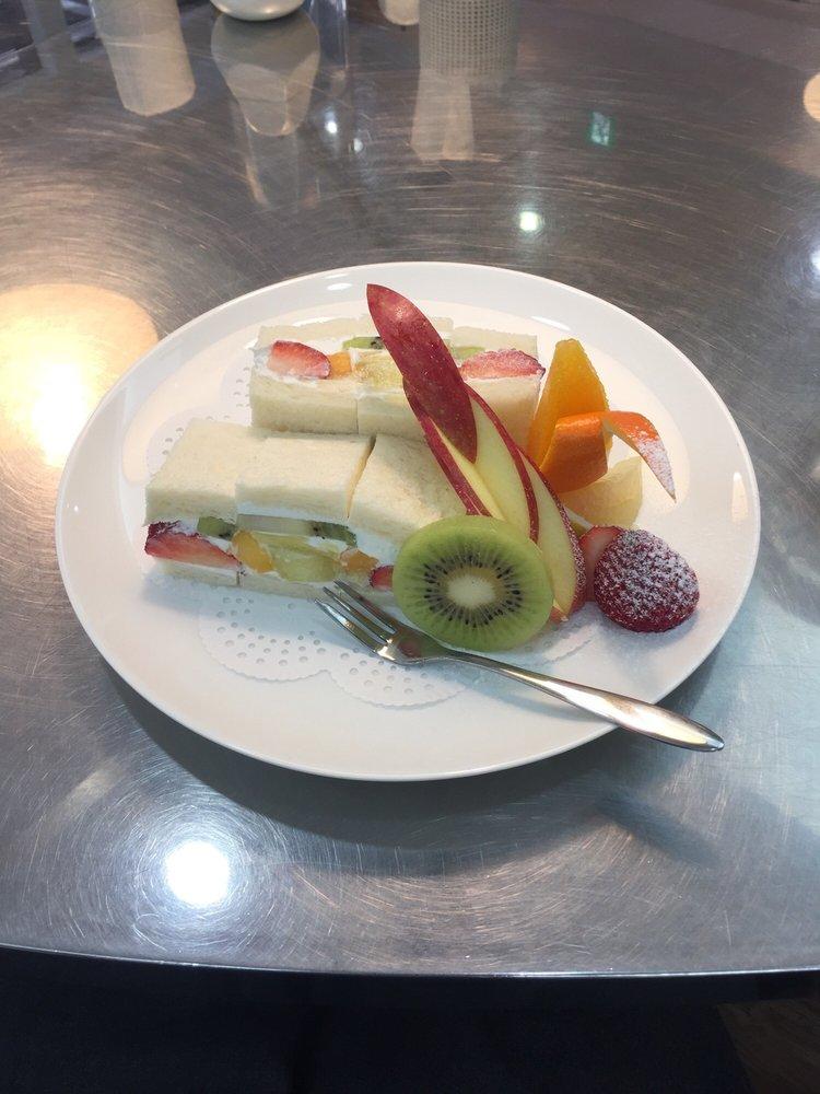 Fruits & Parlor Cricket