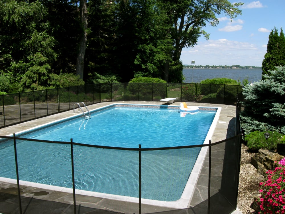 Cl ture de piscines enfant secure rund ums haus 690 for Cloture amovible piscine quebec