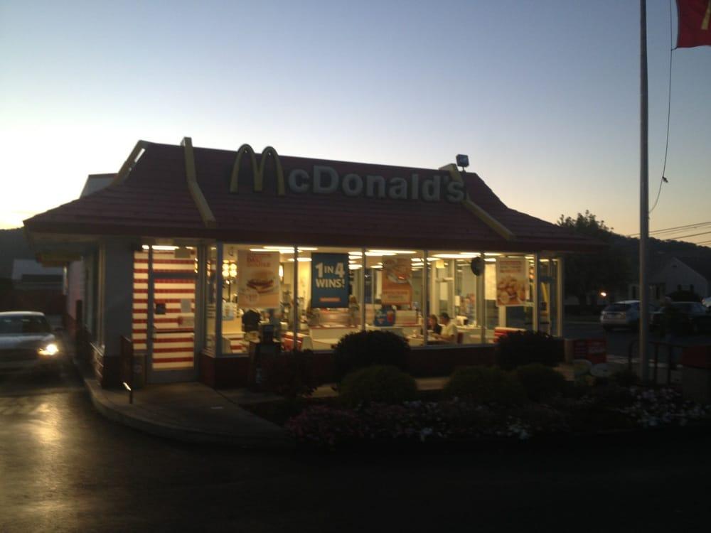 McDonald's: 908 E Main St, Roaring Spring, PA