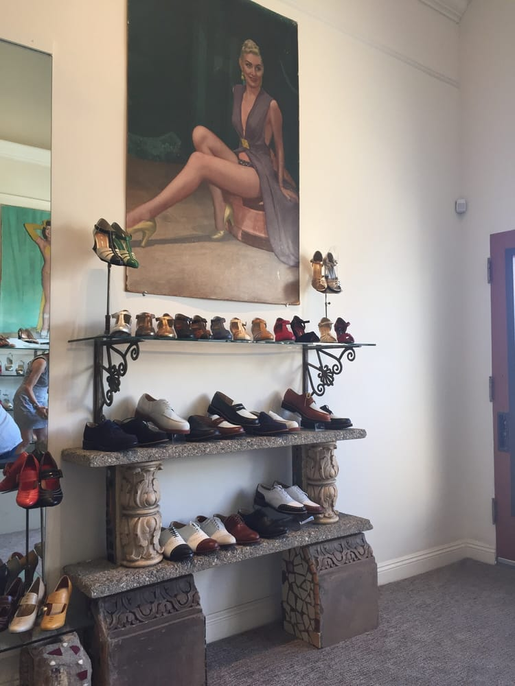 c7a69e4ac0dc Re-Mix - 30 Photos   40 Reviews - Shoe Stores - 7384 Beverly Blvd ...