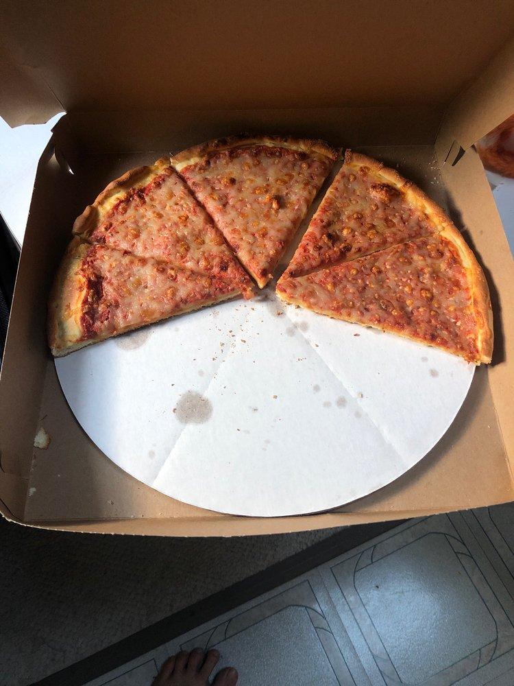 South Main Pizza: 359 S Main, Farmington, NH