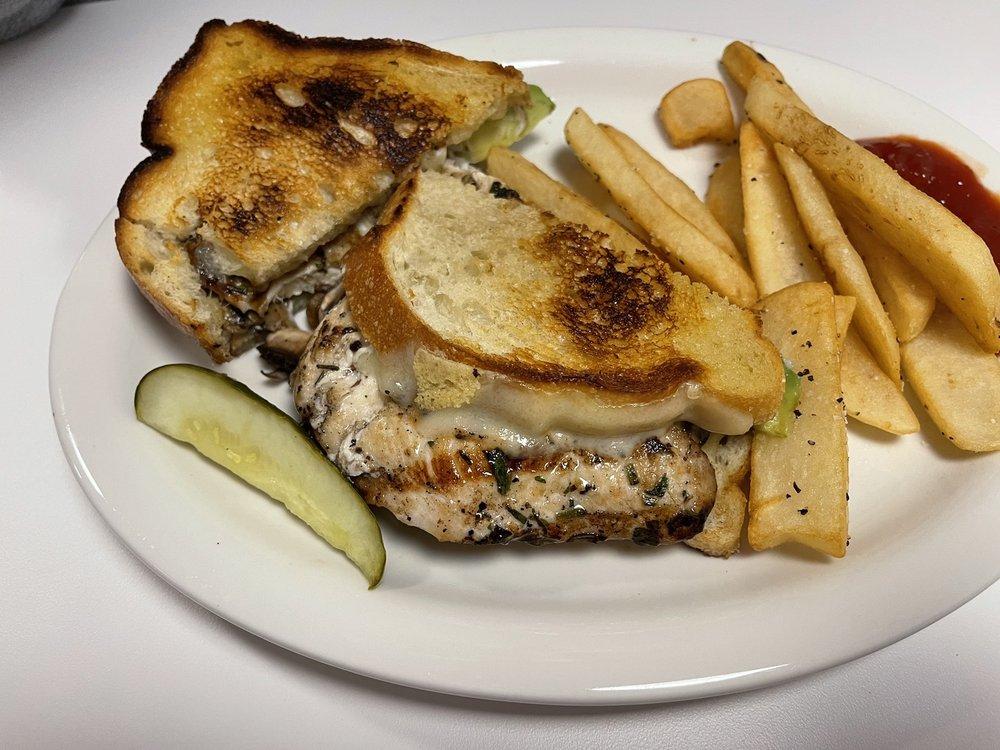 Brookdale Diner: 11570 Hwy 9, Brookdale, CA