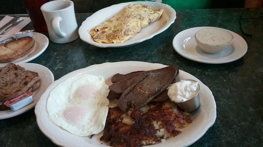 Old Village Cafe: 2 S Main St, Clarkston, MI