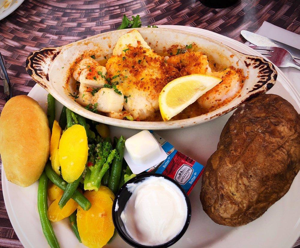 Trader Jack's Riverside Grille: 35901 Lake Shore Blvd, Eastlake, OH