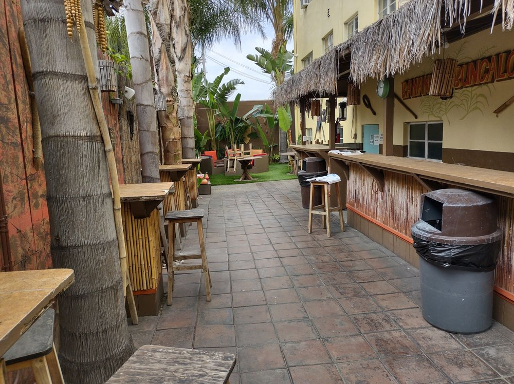 Vibe Hotel Hollywood