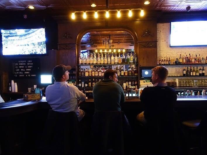 Hookup Bars - Chicago s 8 Best Hookup Bars (And Your Crazy Hookup Stories)
