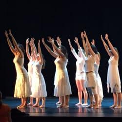Rocher de Palmer - Cenon, Gironde, France. Blanc ballet contemporain