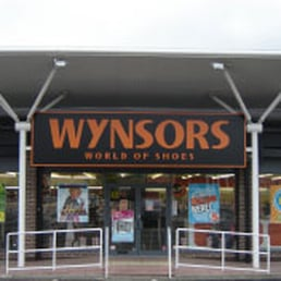 Wynsors World Of Shoes Review