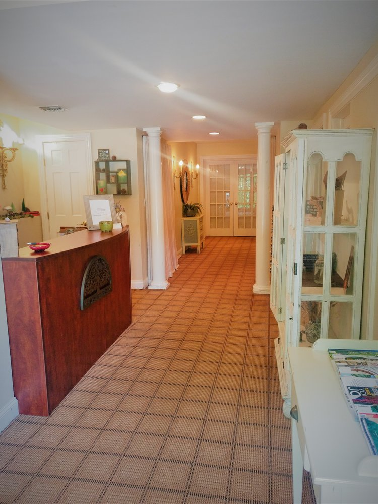 The Village Spa: 14 Tower Pl, Roslyn, NY