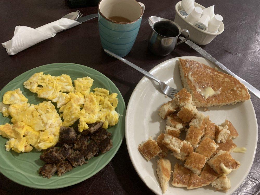 Country Corner Diner: 3394 Glenn Hwy, Cambridge, OH