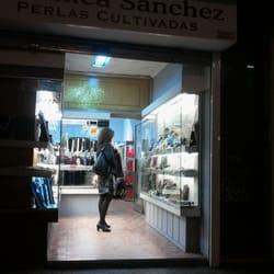 7a1b5ac1877a Veronica Sanchez Perlas Cultivadas - Joyerías - Carrer de San ...