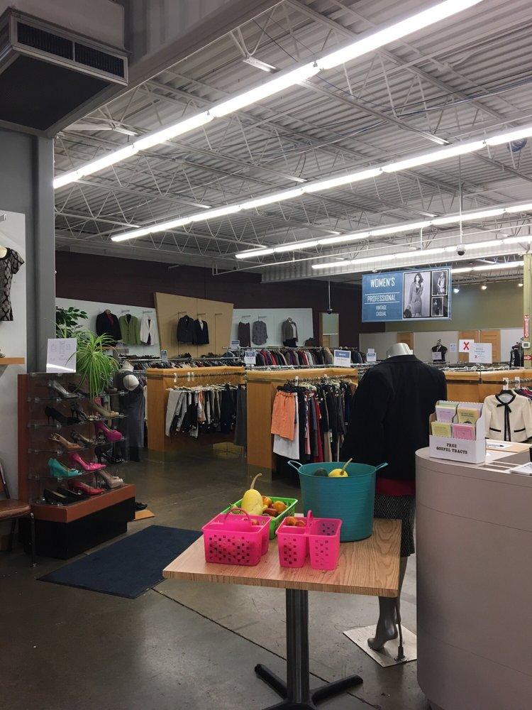 Blue Jacket Clothing Company: 2826 S Calhoun St, Fort Wayne, IN