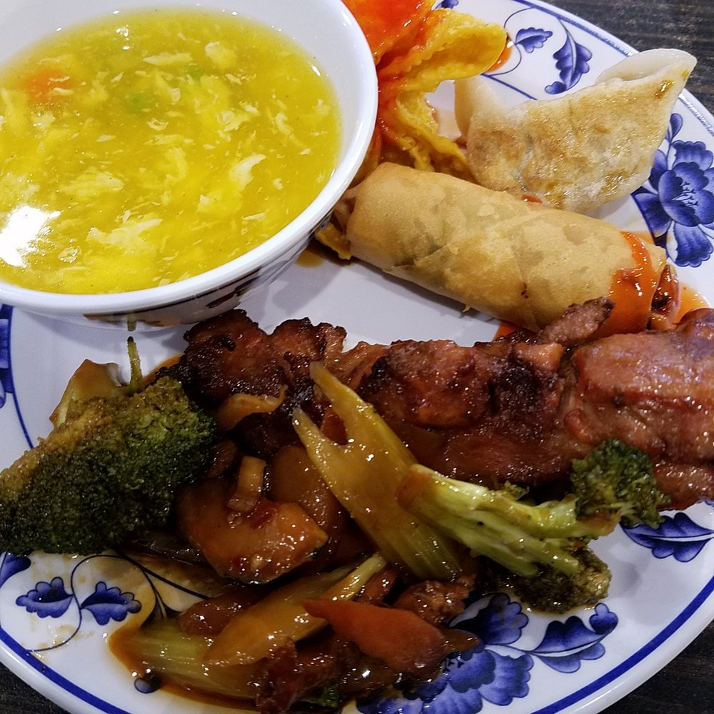 Dong's China Buffet: 398 S Indiana St, Mooresville, IN