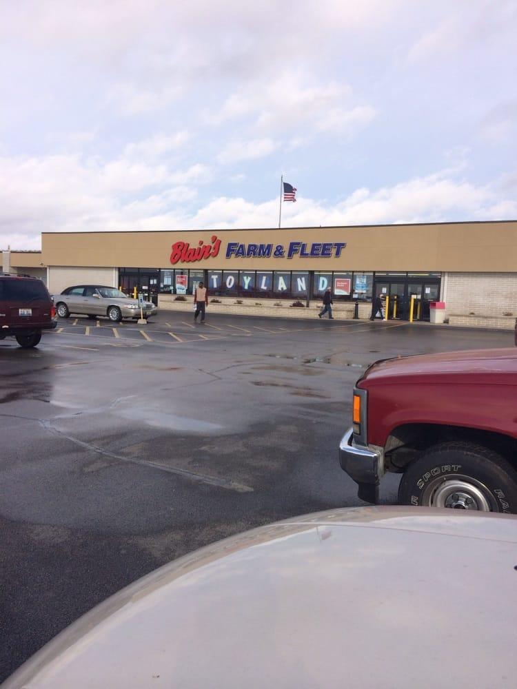 Blain's Farm & Fleet: 2101 W Market St, Bloomington, IL