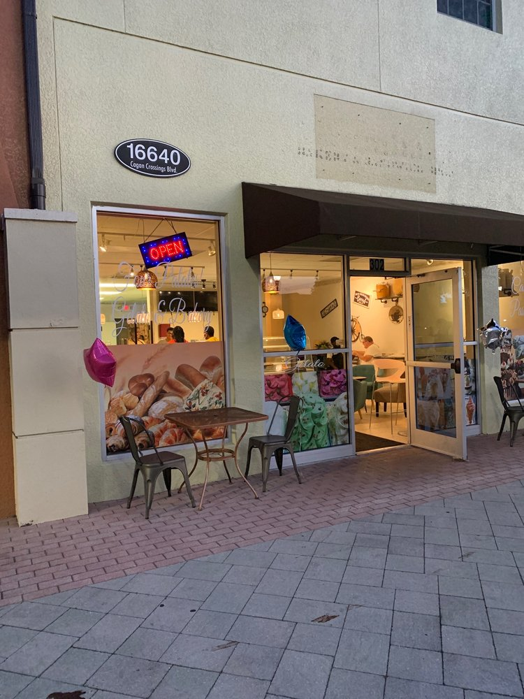 Four Palates Gelato & Bakery: 16640 Cagan Crossings Blvd, Clermont, FL