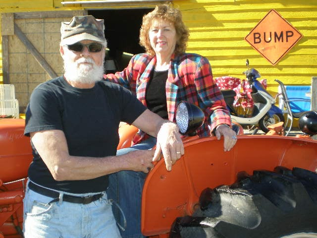 Old Tater Barn Pickers: 21700 Hwy 55 E, Oriental, NC