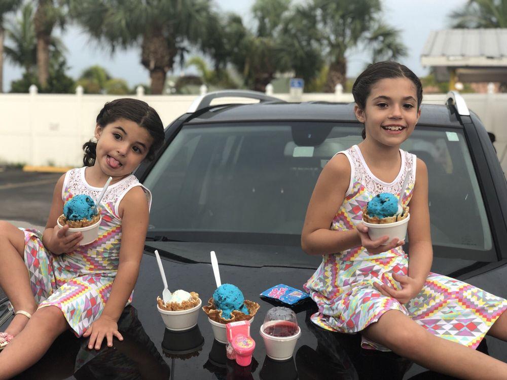 Super Scoops: 11025 Gulf Blvd, Treasure Island, FL