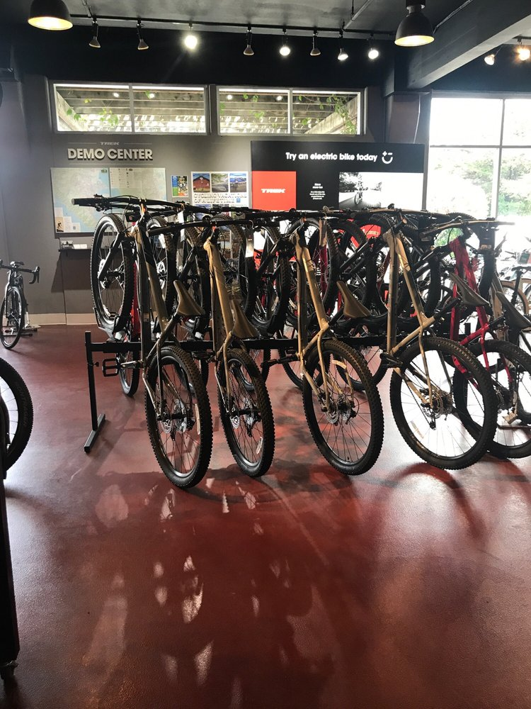 Trek Bicycle Corte Madera Marin: 13 San Clemente Dr, Corte Madera, CA