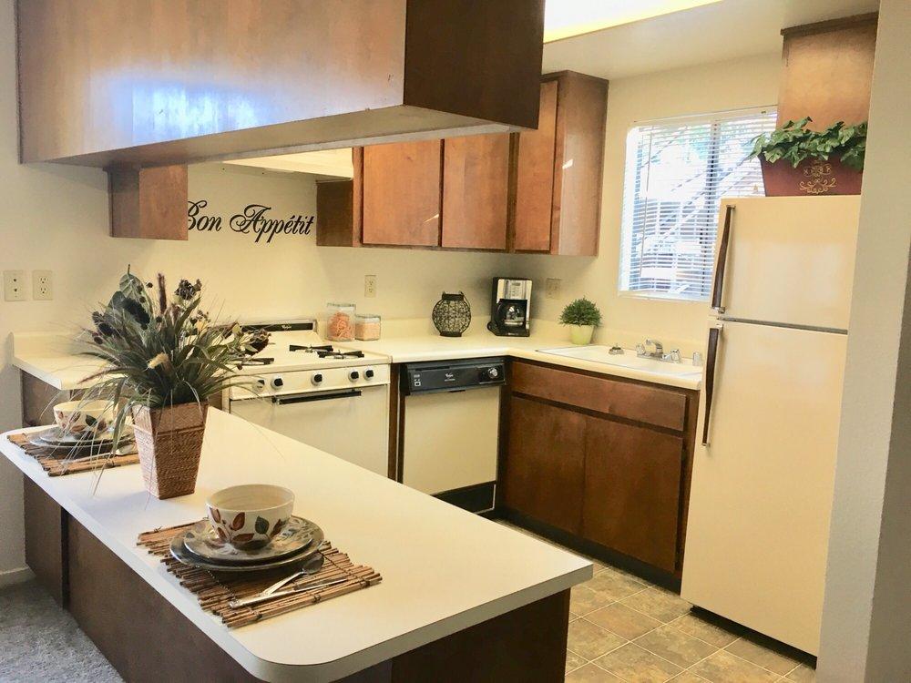 Olivewood Apartments: 904 Olivewood Dr, Merced, CA