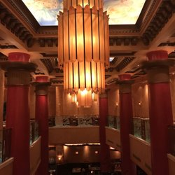 Decor style of the cheesecake factory