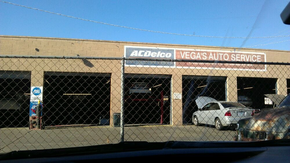 Vega's Automotive Service: 260 W Elm Ave, Coalinga, CA
