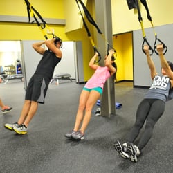 Gold's Gym - 12 Photos & 28 Reviews - Gyms - 1801 Hydraulic Rd ...