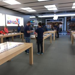 Photo Of Apple Store   Mishawaka, IN, United States