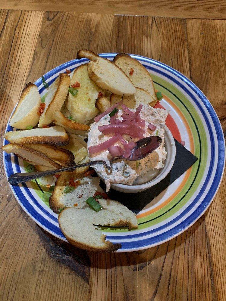 L May Eatery: 1072 Main St, Dubuque, IA