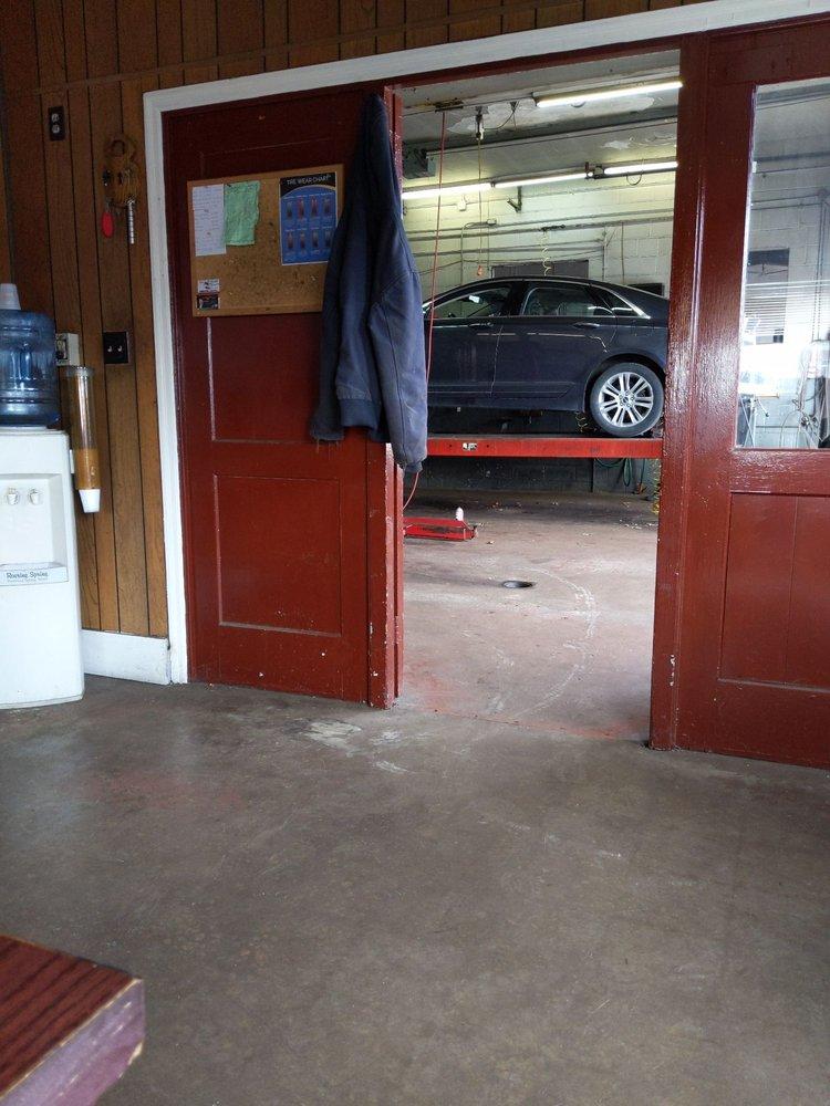 Ed's Auto: 501 Blair St, Hollidaysburg, PA