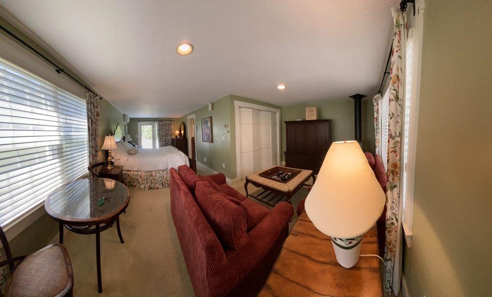 Sugar Hill Inn: 116 Rt 117, Sugar Hill, NH
