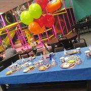 Fundays Family Fun Cafe 17 Photos Cafes 2151 Ferguson Rd