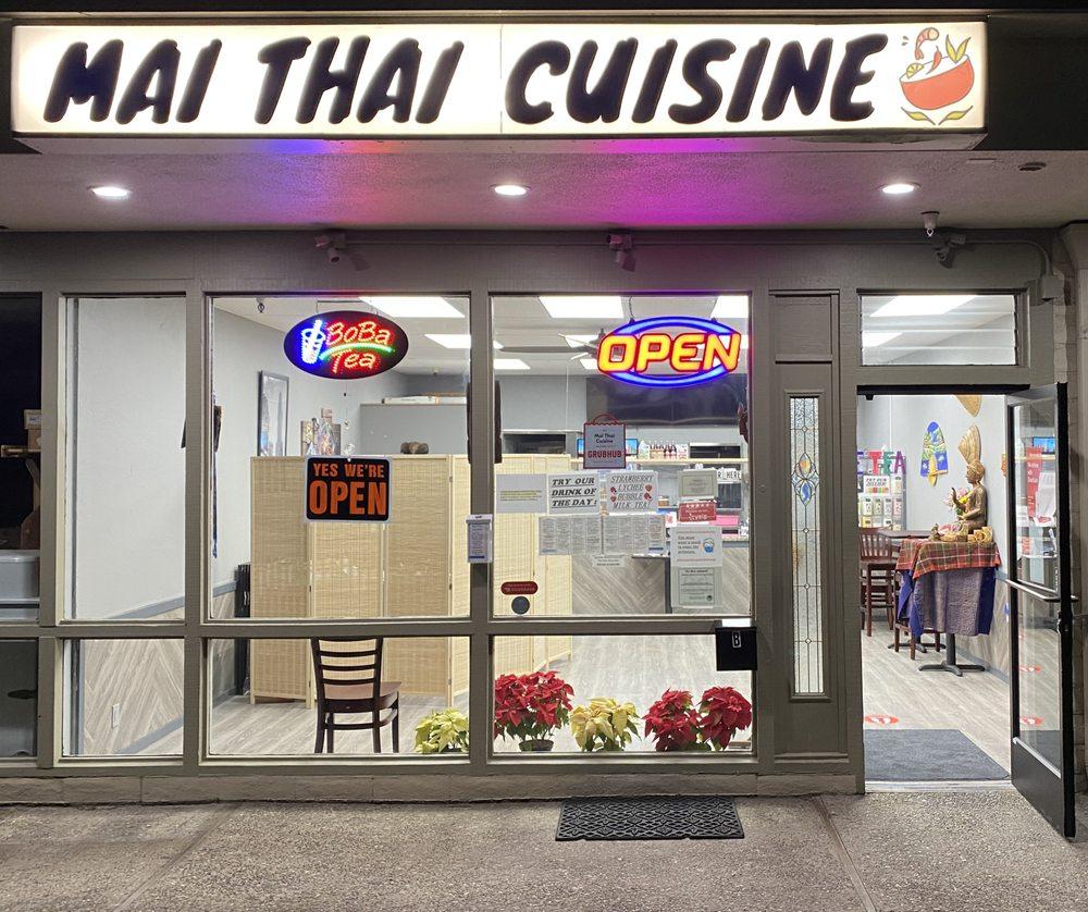 Mai Thai Cuisine: 1219 Forest Ave, Pacific Grove, CA