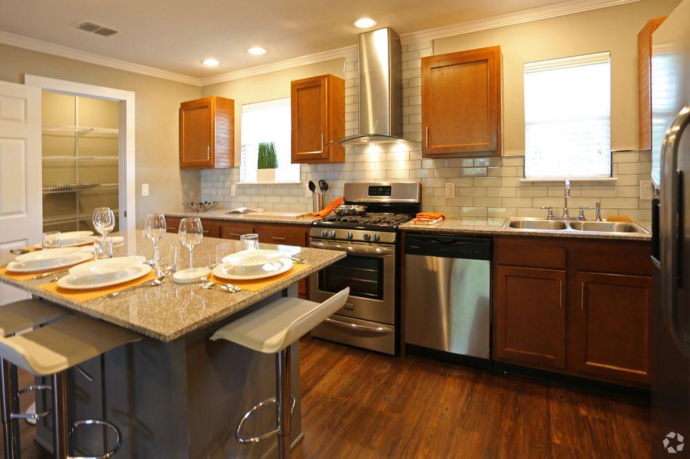 Axiom Apartments: 4019 Vance Jackson, San Antonio, TX