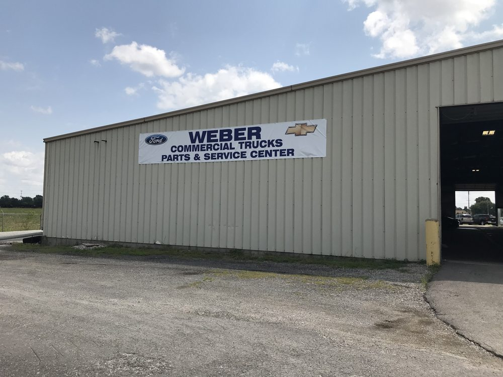 Weber Commercial Truck Center: 957 West Pontoon Beach, Granite City, IL