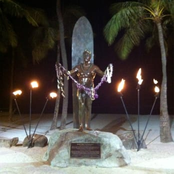 Duke Kahanamoku Statue - 153 Photos & 70 Reviews - Public