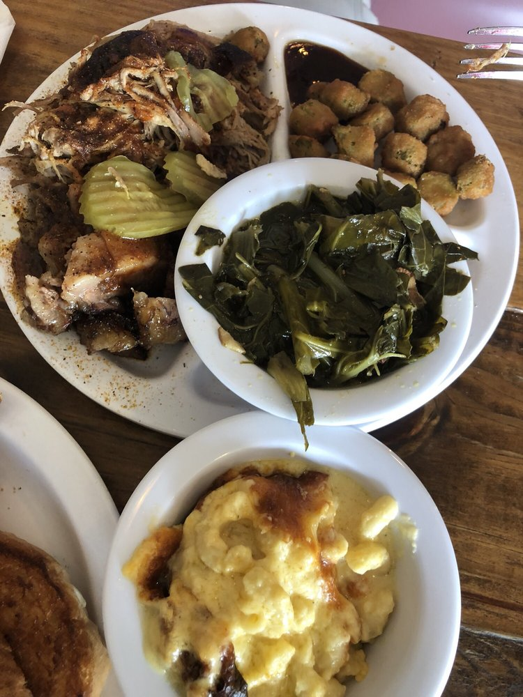 M&W Smokehouse BBQ: 503 S Waukesha St, Bonifay, FL