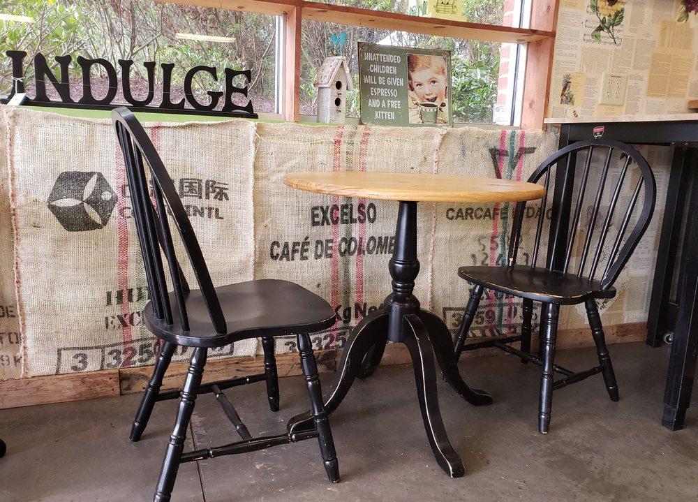 Maude's Garden and Coffee